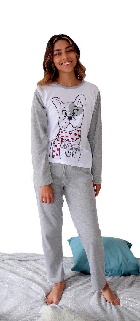 Pijama perros dama escenario